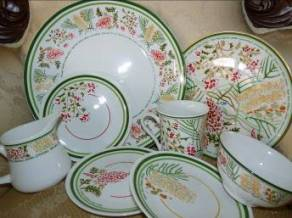 2013 Grevillia Fine China Collection